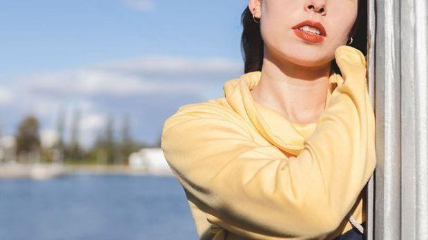 Helle Haut-Typen sollten zu hellen Lippenstift-Farbnuancen greifen – warum? D...