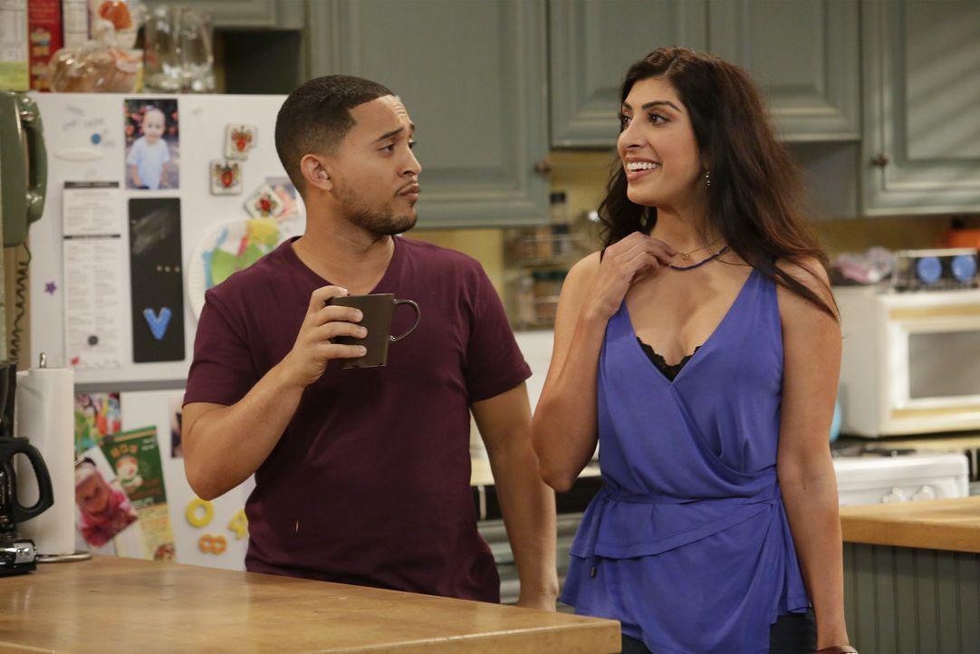 Tucker (Tahj Mowry, l.); Sondra (Rachna Khatau, r.) - Bildquelle: Nicole Wilder ABC Family / Nicole Wilder