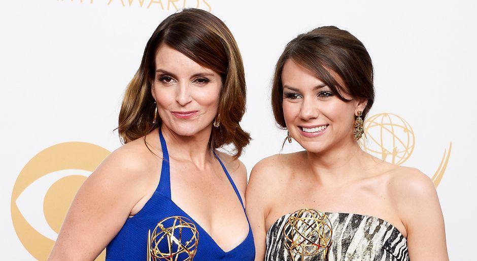 Emmy-Awards-Tina Fey-Tracey Wigfield-13-09-22-dpa - Bildquelle: dpa
