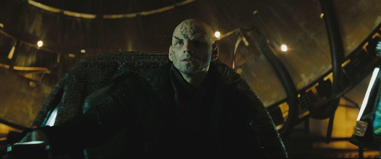 Will auf seinem Rachefeldzug die gesamte Menschheit vernichten: Romulane Nero (Eric Bana) ... - Bildquelle: Paramount Pictures