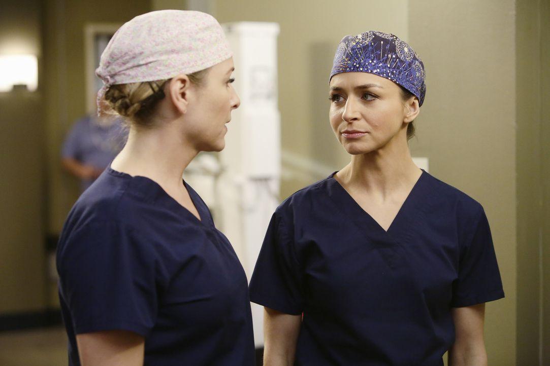 Amelia (Caterina Scorsone, r.) übernimmt die Operation an Dr. Herman, während Bailey etwas misstrauisch Arizona (Jessica Capshaw, l.) gegenüber ist,... - Bildquelle: ABC Studios