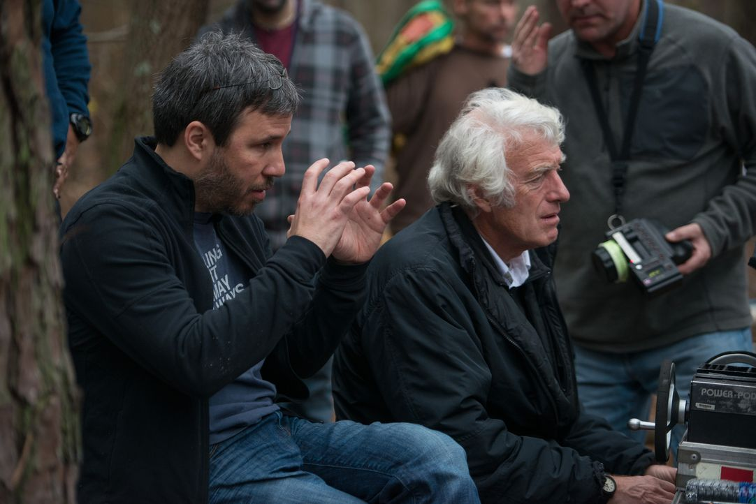 Regisseur Denis Villeneuve (l.) und Kamermann Roger A. Deakins (r.) am Set - Bildquelle: TOBIS FILM. ALL RIGHTS RESERVED