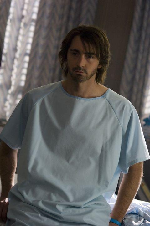 Immer wieder behauptet Roman (Lee Pace), sein Bruder und damit Jessicas Ehemann zu sein. Als er auch noch mit bemerkenswertem Detailwissen aufwartet...