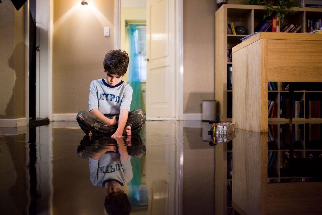 Im glasklaren Wasser lauert der Tod: Michael (Cameron Boyce) ... - Bildquelle: 2007 Regency Enterprises, New Regency Pictures