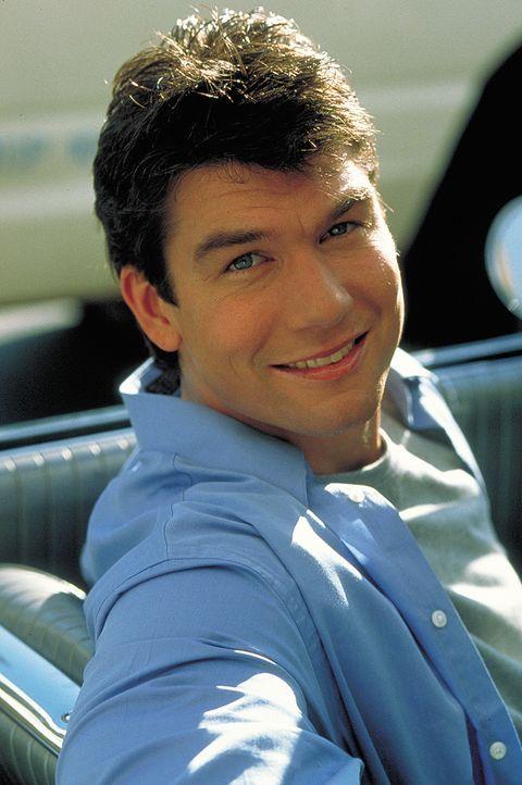 Davids (Jerry O?Connell) Alptraum wird wahr - seine bezaubernde Freundin stellt ihm ein Ultimatum ... - Bildquelle: 2003 Sony Pictures Television International. All Rights Reserved.