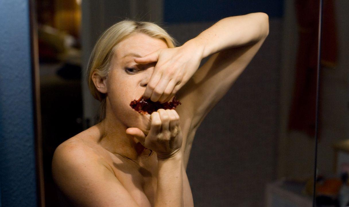 Ihr Spiegel entwickelt ein schrecklich böses Eigenleben: Angela (Amy Smart) ... - Bildquelle: 2007 Regency Enterprises, New Regency Pictures