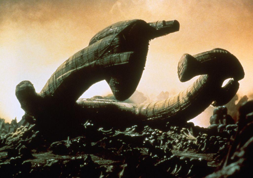 """Die Besatzung der """"Nostromo"""" entdeckt auf einem unwirtlichen Planeten das Wrack eines gigantischen außerirdischen Raumschiffs ... - Bildquelle: 1979 Twentieth Century Fox Film Corporation.  All rights reserved."""