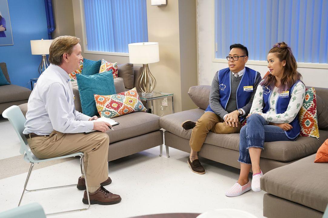 (v.l.n.r.) Glenn (Mark McKinney); Mateo (Nico Santos); Cheyenne (Nichole Bloom) - Bildquelle: Greg Gayne 2017 NBCUniversal Media, LLC / Greg Gayne