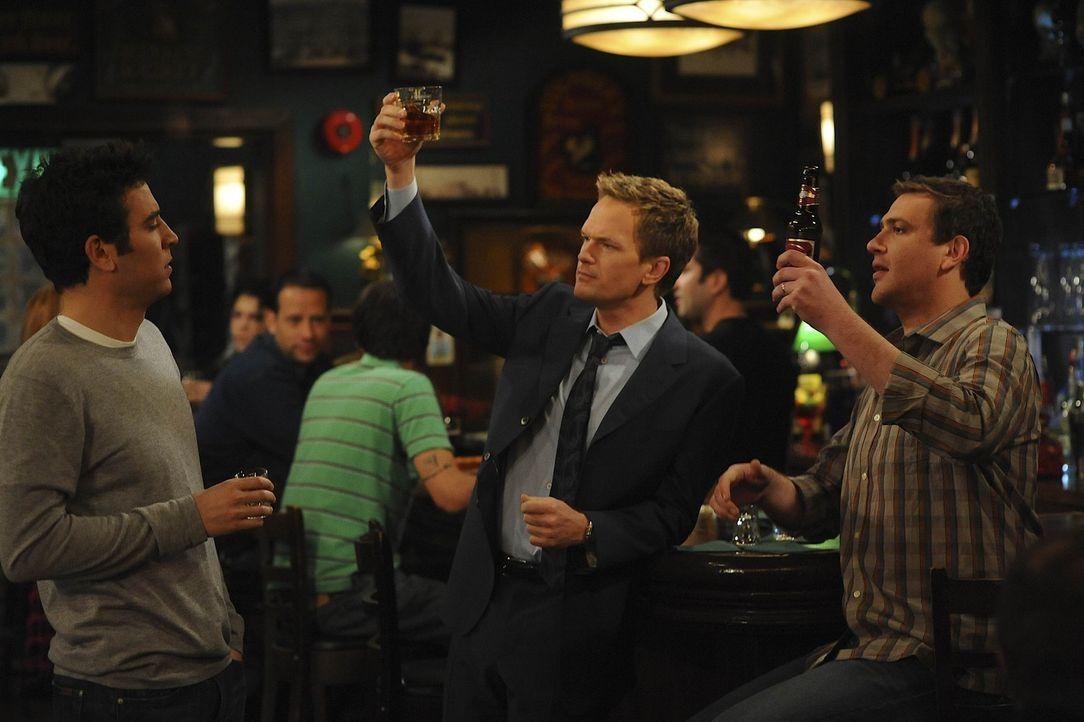 Ted (Josh Radnor, l.) ist wütend darüber, dass ihn seine Freunde angelogen haben, und erklärt, dass er so etwas niemals tun würde. Daraufhin eri... - Bildquelle: 20th Century Fox International Television