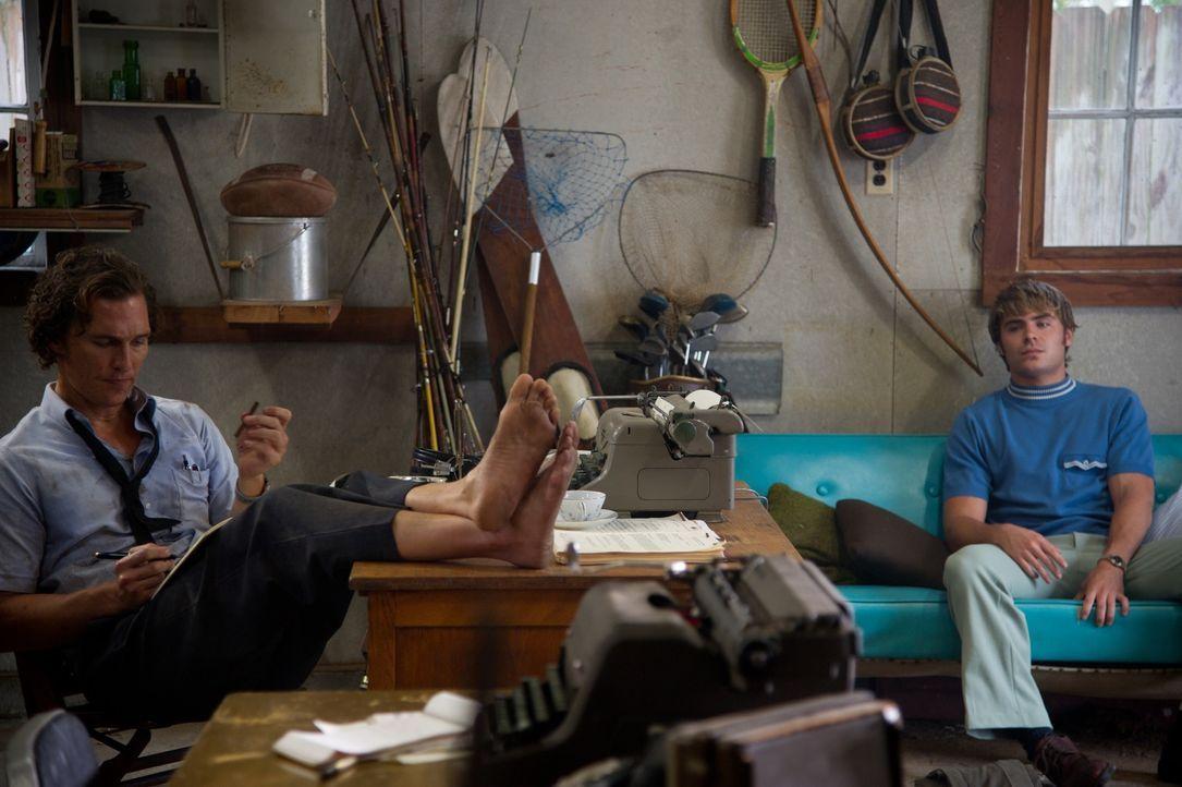 Ist Hillary Van Wetter ein skrupelloser Mörder oder doch nicht? Die Spurensuche des Journalisten Ward Jansen (Matthew McConaughey, l.) und seines jü... - Bildquelle: 2012 PAPERBOY PRODUCTIONS, INC.