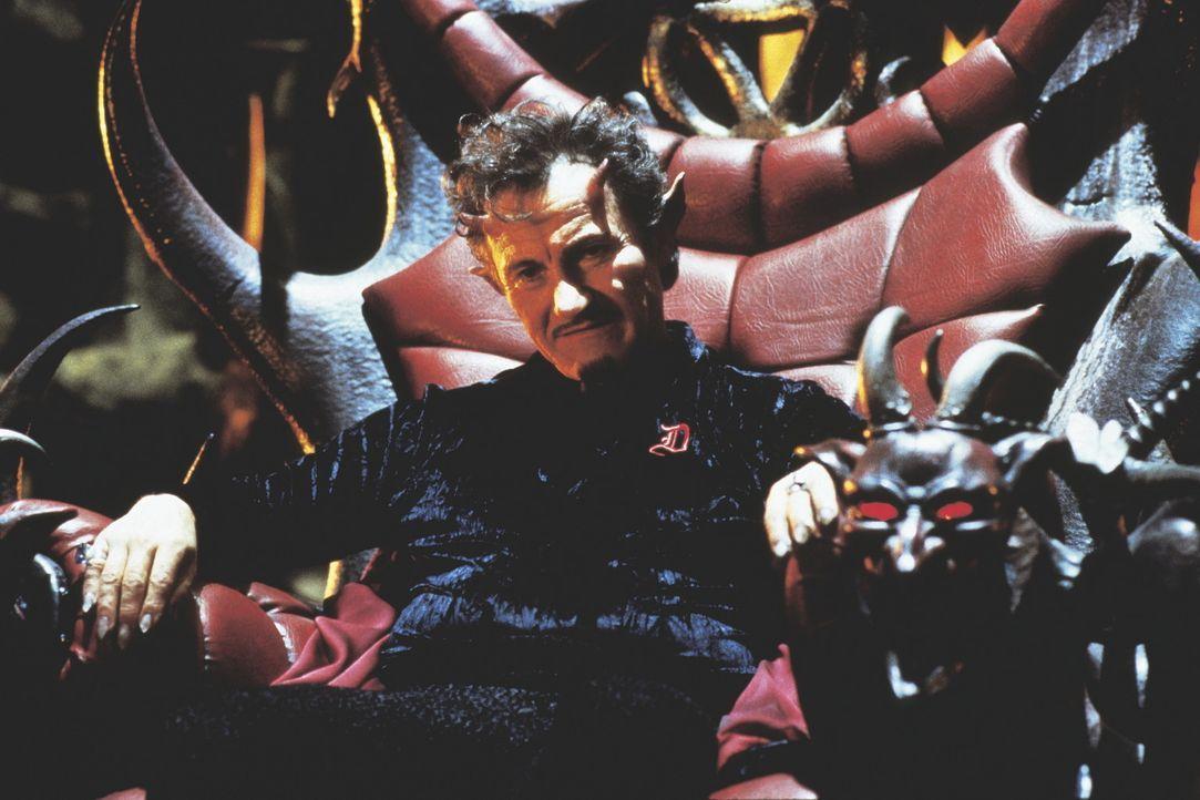 Die Hölle, der Ort ewiger Verdammnis: Als Vater Teufel (Harvey Keitel) seinen älteren Söhnen mitteilt, die Insignien der Herrschaft innerhalb des... - Bildquelle: New Line Cinema