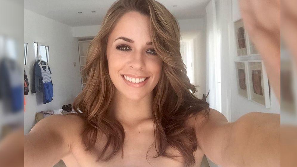 Vanessa may nackt bilder