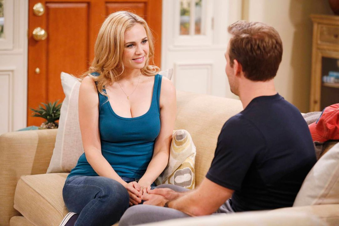 Hat Will (James Van Der Beek, r.) in Kelly (Fiona Gubelmann, l.) wirklich seine Seelenverwandte gefunden? - Bildquelle: 2013 CBS Broadcasting, Inc. All Rights Reserved.