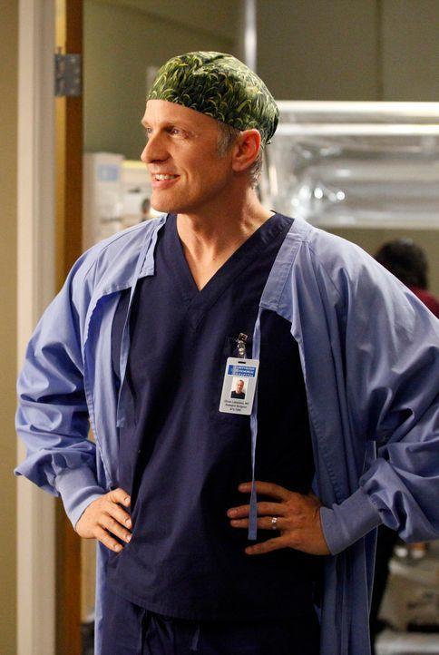 Alex erhält durch den Kollegen Dr. Oliver Lebackes (Patrick Fabian) Einblicke in eine andere Art der Karriere, während das Krankenhaus von einer Gri... - Bildquelle: ABC Studios