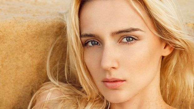 Der nordische Hauttyp zeichnet sich durch blonde, eher helle Haare und helle...