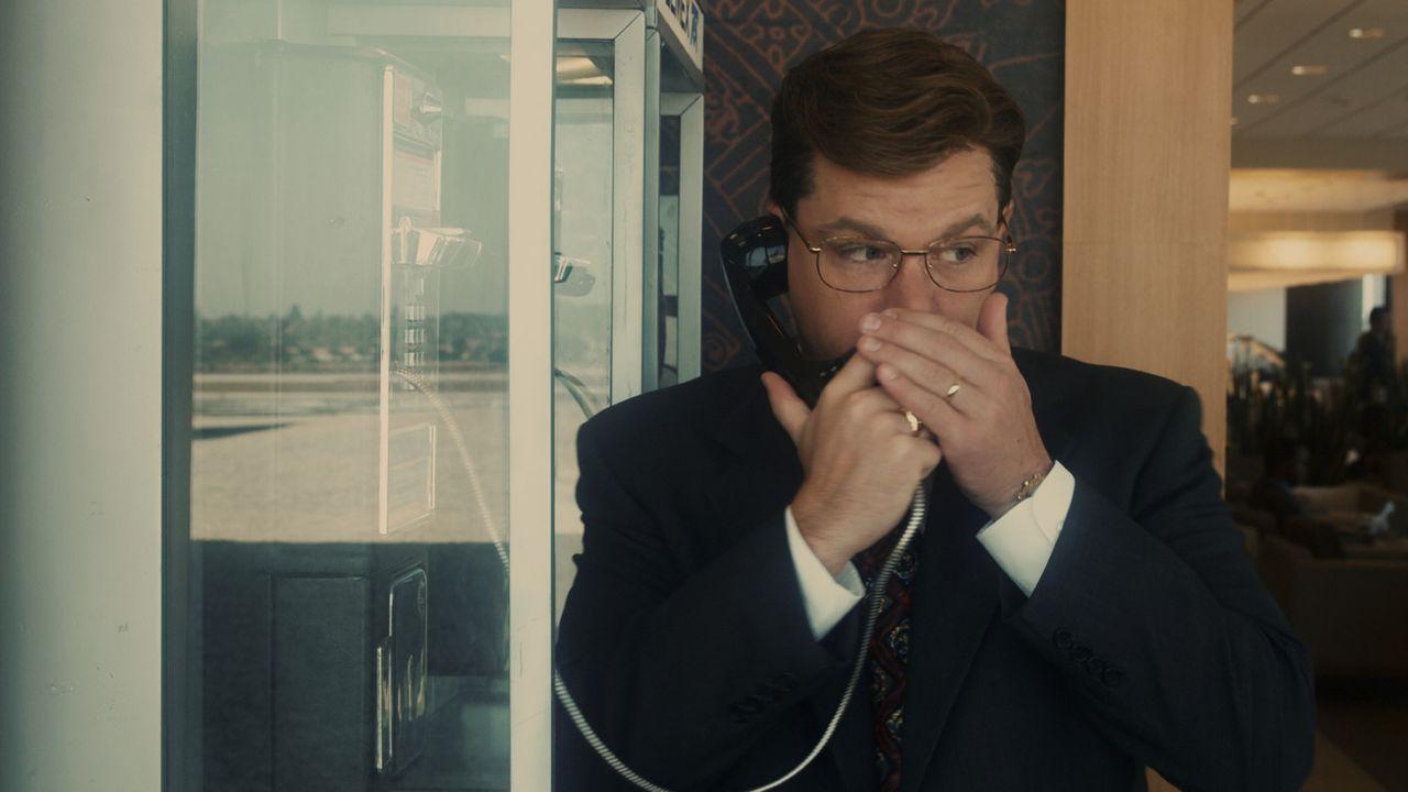 Das FBI rüstet Mark Whitacre (Matt Damon) mit versteckten Mikrofonen und Sendern aus, in der Hoffnung, nun eine absolut wasserdichte Anklage gegen... - Bildquelle: Warner Bros. Pictures