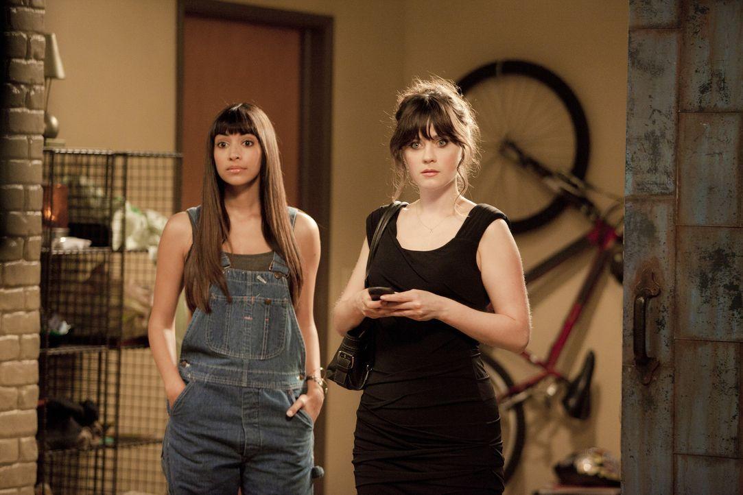 Halten stets zusammen: Jess (Zooey Deschanel, r.) und ihre beste Freundin Cece (Hannah Simone, l.) ... - Bildquelle: 20th Century Fox