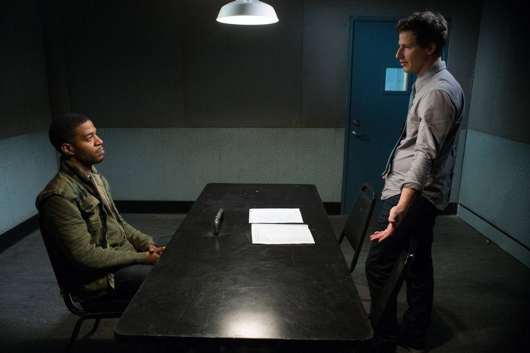 Dustin Whitman (Kid Cudi, l.); Jake Peralta (Andy Samberg, r.) - Bildquelle: Jordin Althaus 2013 NBC Studios LLC. All Rights Reserved. / Jordin Althaus