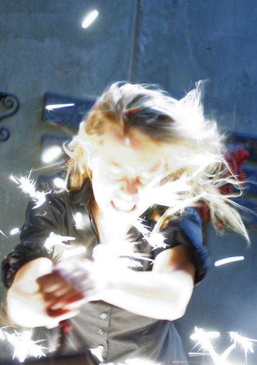 Total in Rage, um das todbringende Buch dauerhaft zu zerstören: Dominique (Alexz Johnson) ... - Bildquelle: Ed Araquel 2007 Diary Productions Inc.