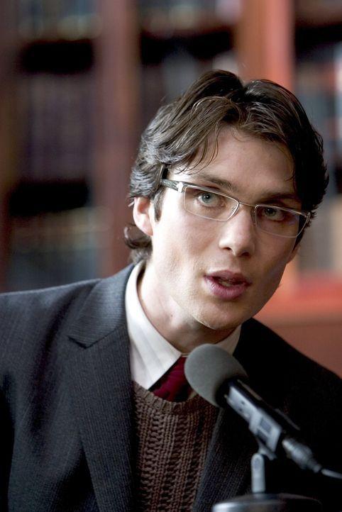 Niemand ahnt, dass der dubiose Psychiater Dr. Jonathan Crane (Cillian Murphy) ein Halluzinogen entwickelt hat, das die größten Ängste eines Mensc... - Bildquelle: 2005 Warner Brothers