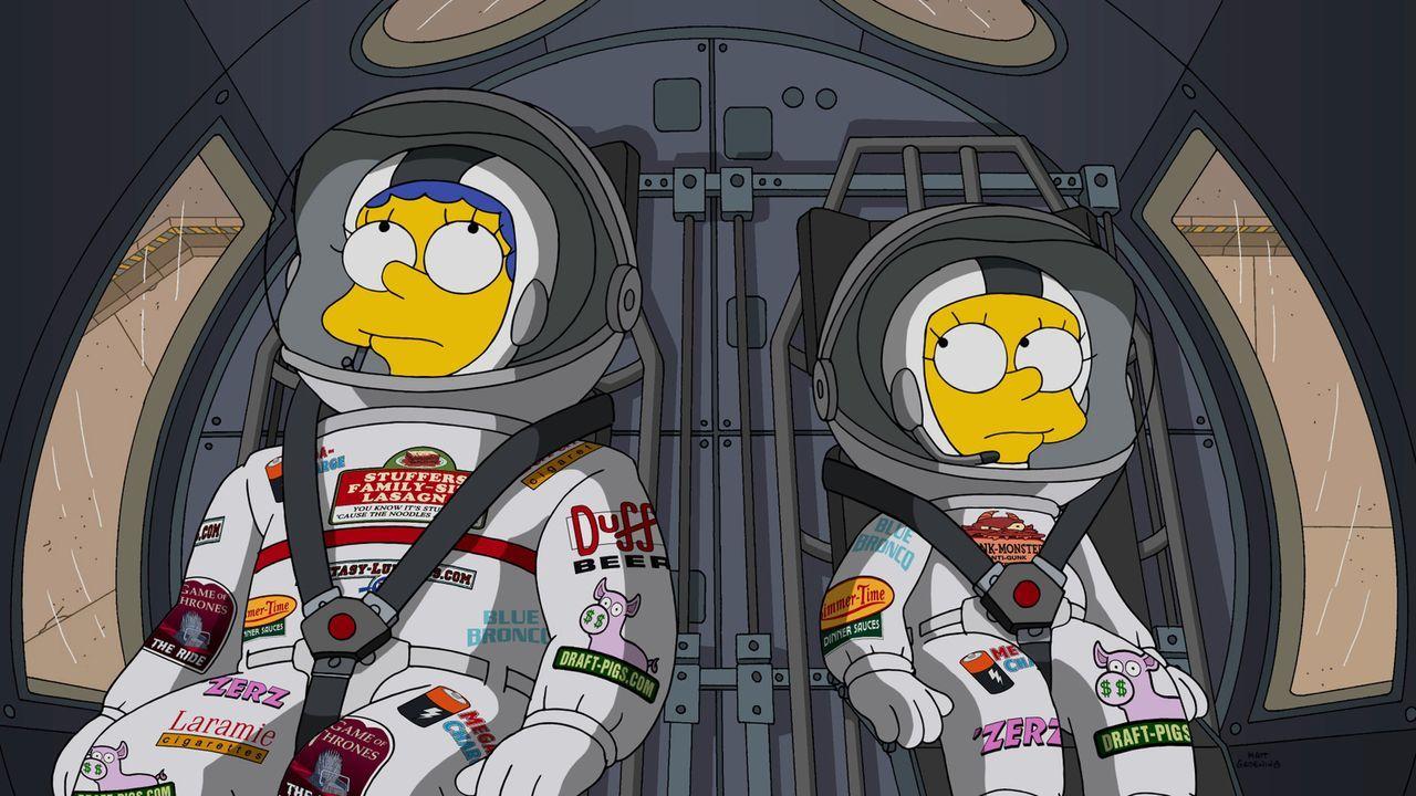 Auf einer Mission Richtung Mars: Lisa (r.) und Marge (l.) haben sich für ein Freiwilligen Programm gemeldet und wurden auserwählt ... - Bildquelle: 2015 Fox and its related entities.  All rights reserved.