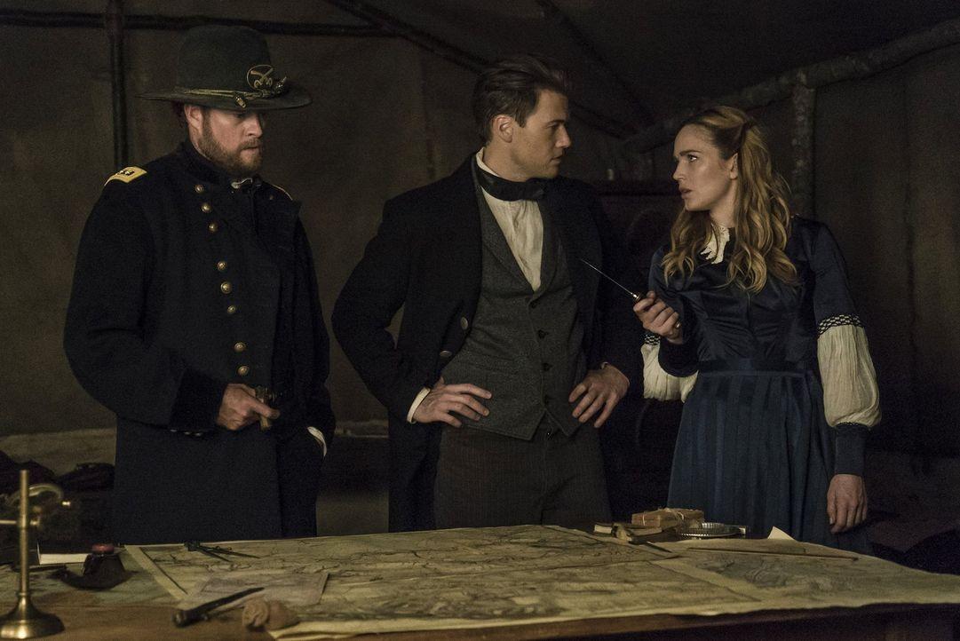 Der Ausgang des Amerikanischen Bürgerkrieges steht auf der Kippe. Gelingt es Nate (Nick Zano, M.) und Sara (Caity Lotz, r.) den General Ulysses S. G... - Bildquelle: Warner Brothers