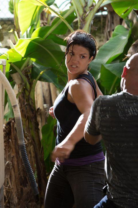 Muss sich völlig auf ihre Stärke als Ex-Kämpferin konzentrieren: Ava (Gina Carano), die ihren Gegnern, den Entführern ihres Mannes, das Leben möglic... - Bildquelle: Francisco Roman ITB Productions, Inc.