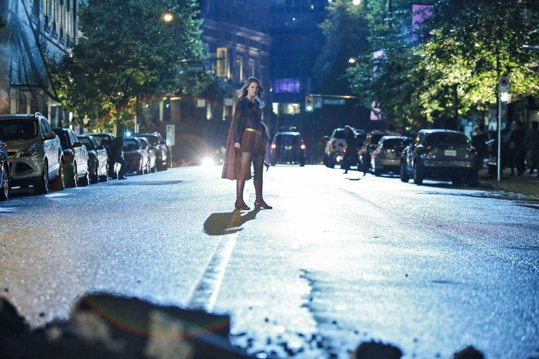 Schafft es Kara (Melissa Benoist), ihre Superkräfte zurückzuerlangen und die Gefahr durch den mutierenden Dr. Rudy Jones für immer auszuschalten? - Bildquelle: 2016 Warner Bros. Entertainment, Inc.
