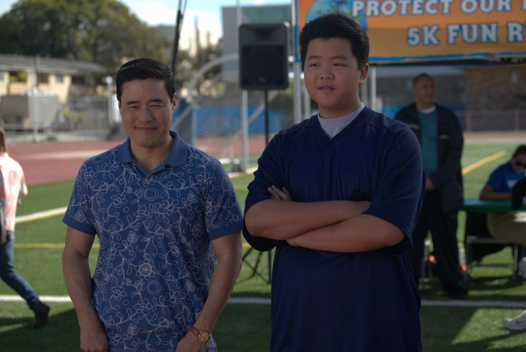 Louis Huang (Randall Park, l.); Eddie Huang (Hudson Yang, r.) - Bildquelle: 2018-2019 American Broadcasting Companies.  All rights reserved.