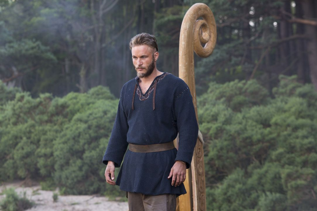 Wird Ragnar (Travis Fimmel) seine Pläne gegen den Willen des Lords durchsetzen können? - Bildquelle: 2013 TM TELEVISION PRODUCTIONS LIMITED/T5 VIKINGS PRODUCTIONS INC. ALL RIGHTS RESERVED.