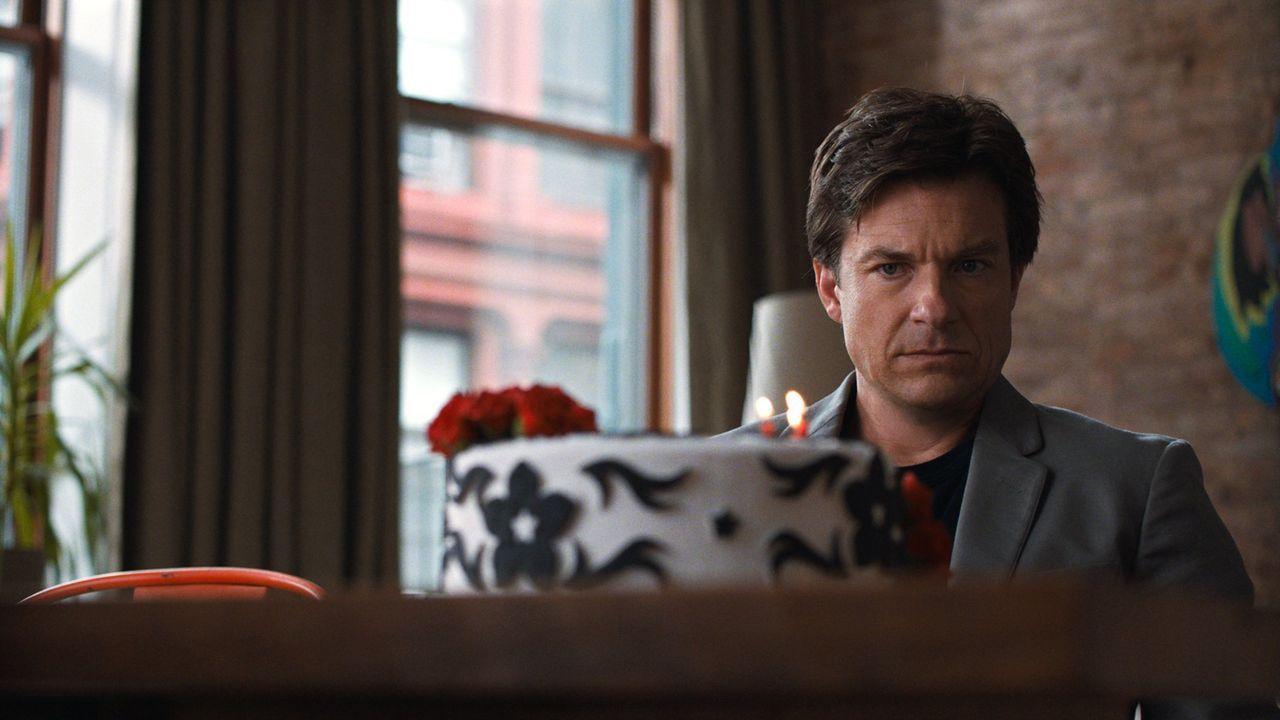 Als Judd (Jason Batemann) herausfindet, dass seine Frau ihn mit seinem Chef betrügt und er auch noch seinen Job verliert, geht sein Leben ganz schön... - Bildquelle: 2014 Warner Brothers