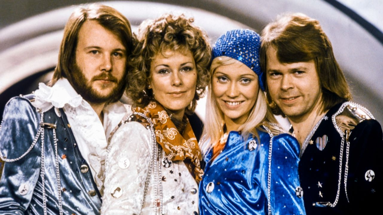 (v.l.n.r.) Benny Andersson; Anni-Frid Lyngstad; Agnetha Fältskog; Björn Ulvaeus - Bildquelle: Channel 5 Broadcasting LTD 2020 All Rights Reserved.