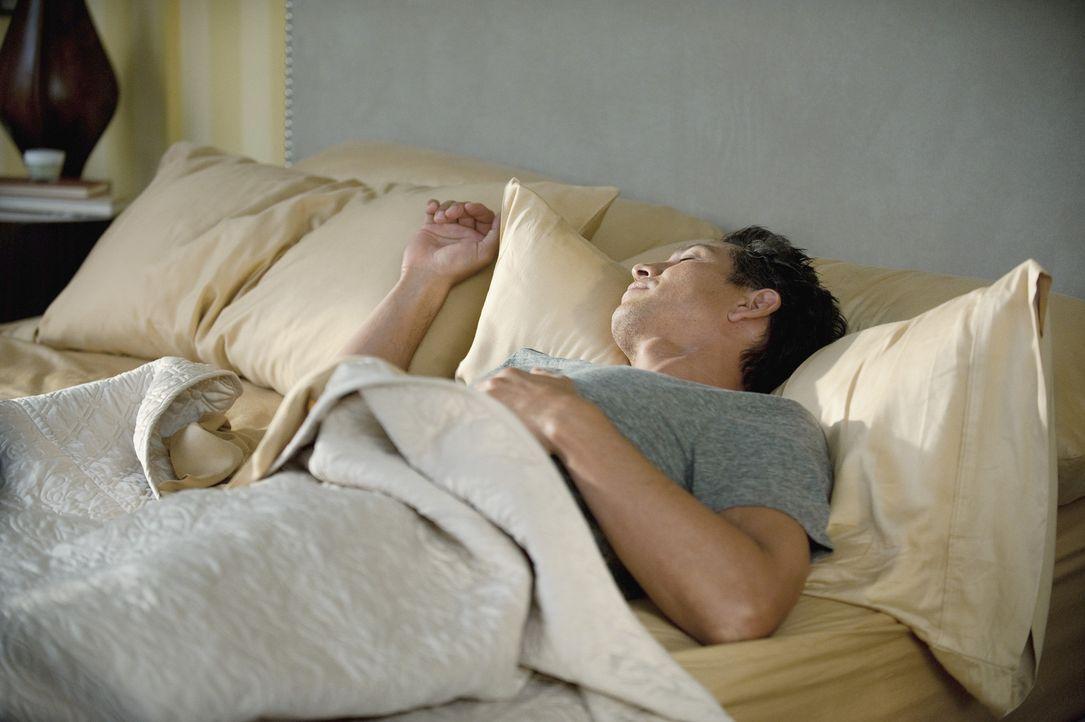 Während Addison ihre aufblühende Romanze mit Jake (Benjamin Bratt) genießt, feiert Amelia ihr erstes Jahr ohne Alkohol ... - Bildquelle: ABC Studios