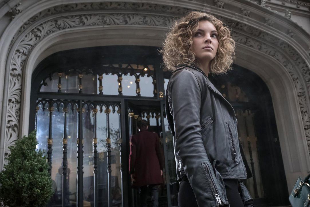 Gerät durch Ivy in Schwierigkeiten, während Barnes zahlreiche Verbrecher ermordet: Selina (Camren Bicondova) ... - Bildquelle: Warner Brothers