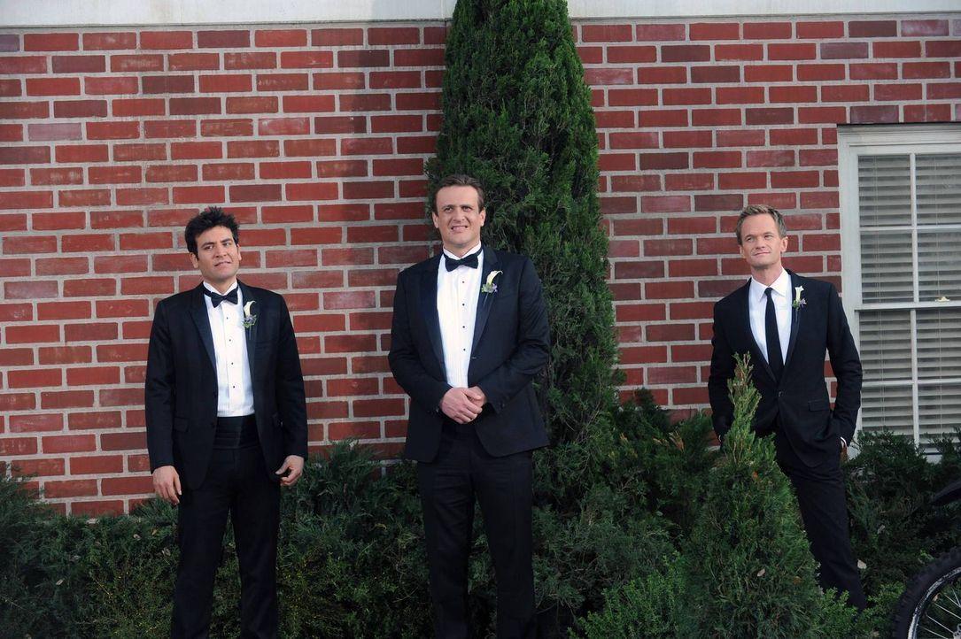 Die Hochzeit naht: Barney Stinson (Neil Patrick Harris, r.) mit seinen zwei besten Kumpels Marshall (Jason Segel, M.) und Ted (Josh Radnor, l.) - Bildquelle: 2014 Twentieth Century Fox Film Corporation. All rights reserved.