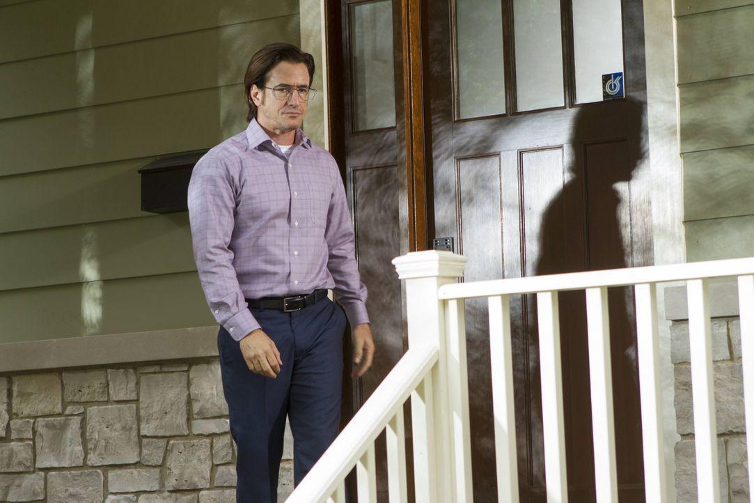 Francis Gibson (Dermot Mulroney), der Kopf der Entführer, setzt seinen Rachefeldzug fort ... - Bildquelle: 2013-2014 NBC Universal Media, LLC. All rights reserved.