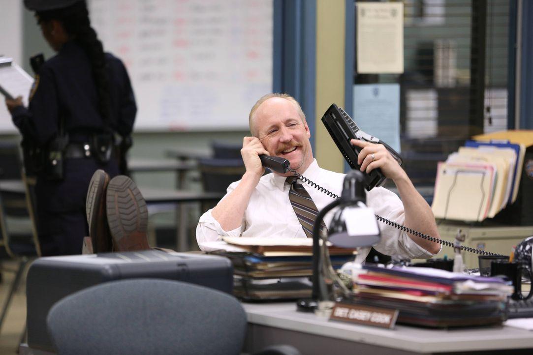 Detective Lohank (Matt Walsh) - Bildquelle: Tyler Golden 2013 NBC Studios LLC. All Rights Reserved. / Tyler Golden