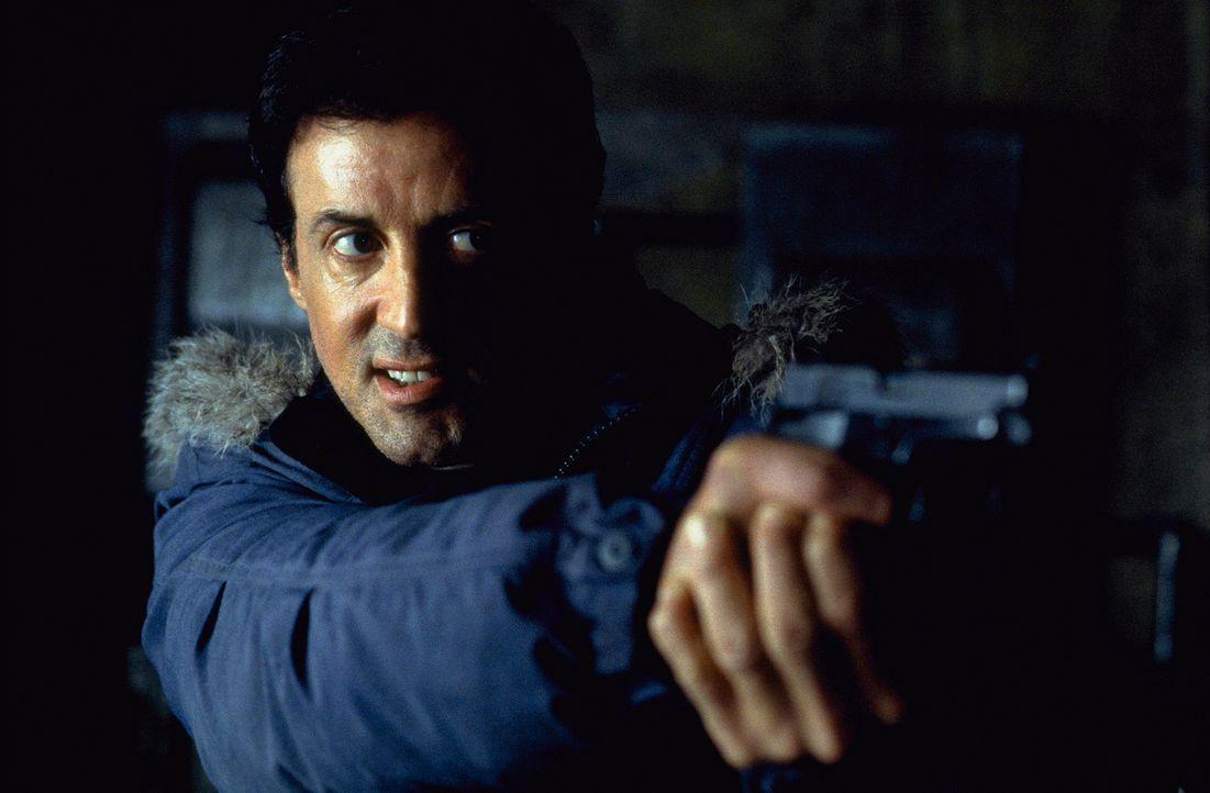Der FBI-Agent Jake Malloy (Sylvester Stallone) ist einem bestialischen Cop-Killer auf den Fersen. - Bildquelle: Universal Pictures