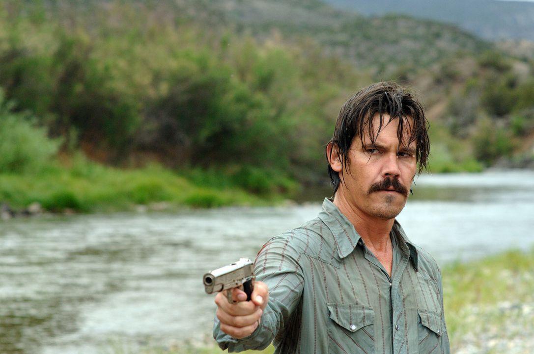 Vietnamveteran Llewelyn Moss (Josh Brolin) wird von einem Teufel in Menschengestalt gejagt ... - Bildquelle: 2008 by PARAMOUNT VANTAGE, a Division of PARAMOUNT PICTURES, and MIRAMAX FILM CORP. All Rights Reserved.