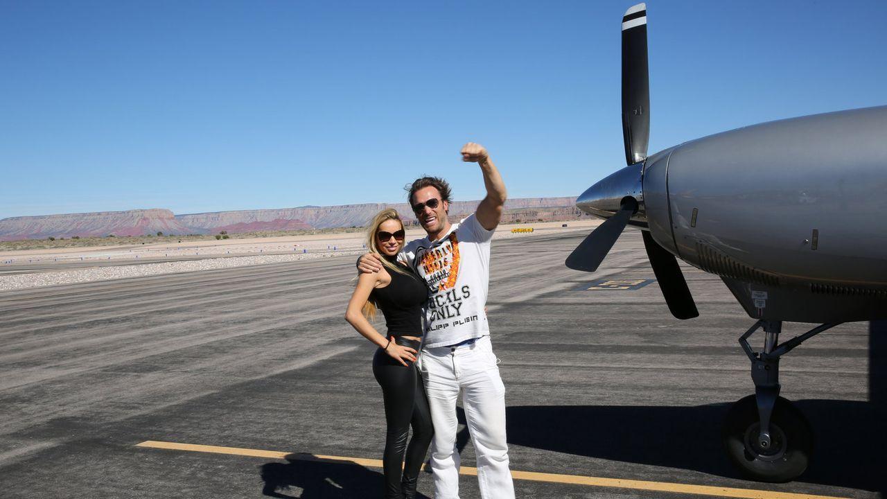 Auf ihrem Roadtrip durch die USA: Unternehmer Bastian Yotta (r.) und Freundin Maria (l.) ... - Bildquelle: ProSieben