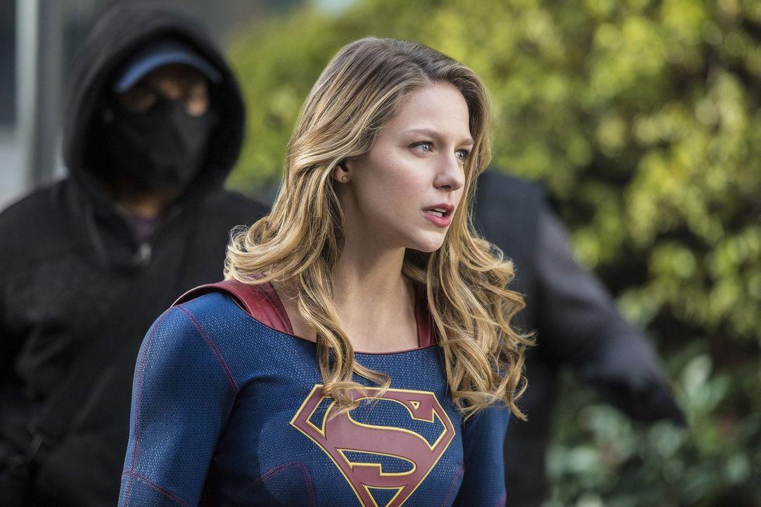 Supergirl (Melissa Benoist) ahnt noch nicht, wie gefährlich Mr. Mxyzptlk ihr wirklich werden könnte ... - Bildquelle: 2016 Warner Brothers