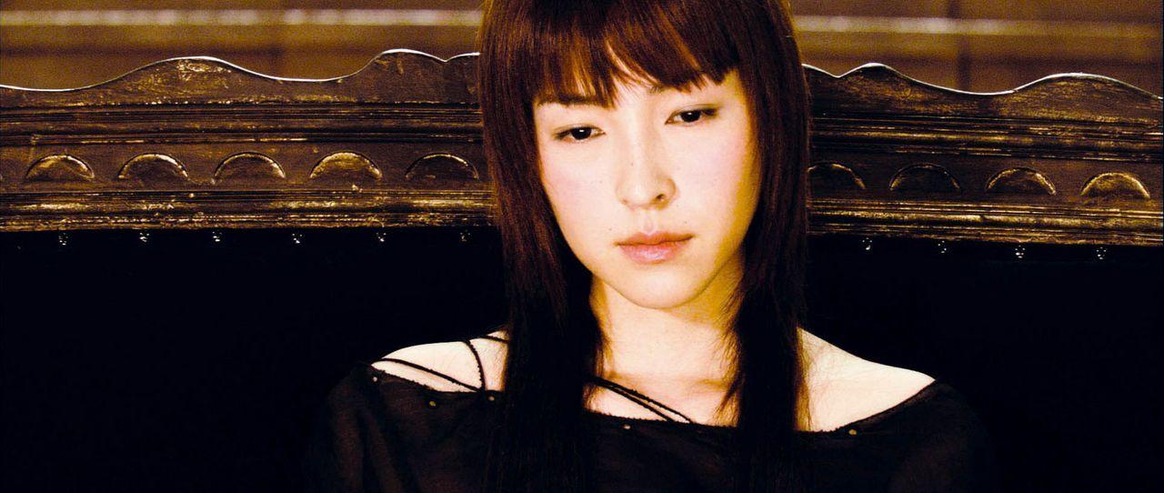 Im Visier grausamer Mutanten, die den Menschen den Krieg erklärt haben: Luna Kozoki (Kumiko Aso) ... - Bildquelle: 2004 Casshern Film Partners