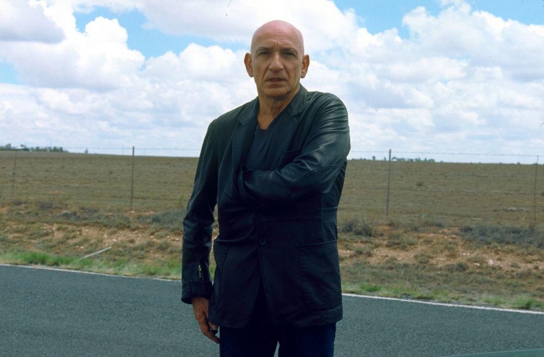 """Bald stellt sich heraus, dass es sich bei dem Killer um den Ex-FBI-Mann Benjamin O'Ryan (Ben Kingsley) handelt. Als """"Remote Viewer"""" hat O´Ryan die F... - Bildquelle: 2006 Sony Pictures Television International"""