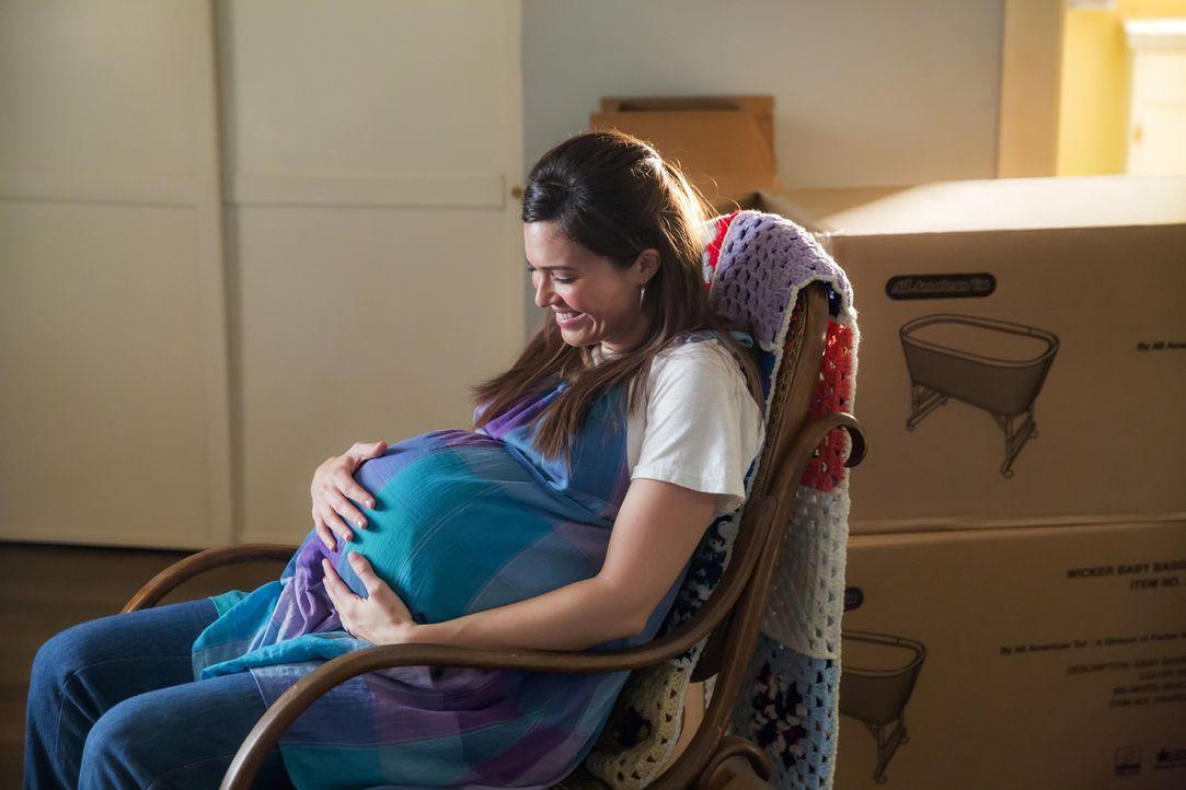 Die Geburt rückt näher - was Rebecca (Mandy Moore) einen emotionalen Zusammenbruch zu durchleben lässt ... - Bildquelle: Ron Batzdorff 2016-2017 Twentieth Century Fox Film Corporation.  All rights reserved.   2017 NBCUniversal Media, LLC.  All rights reserved.