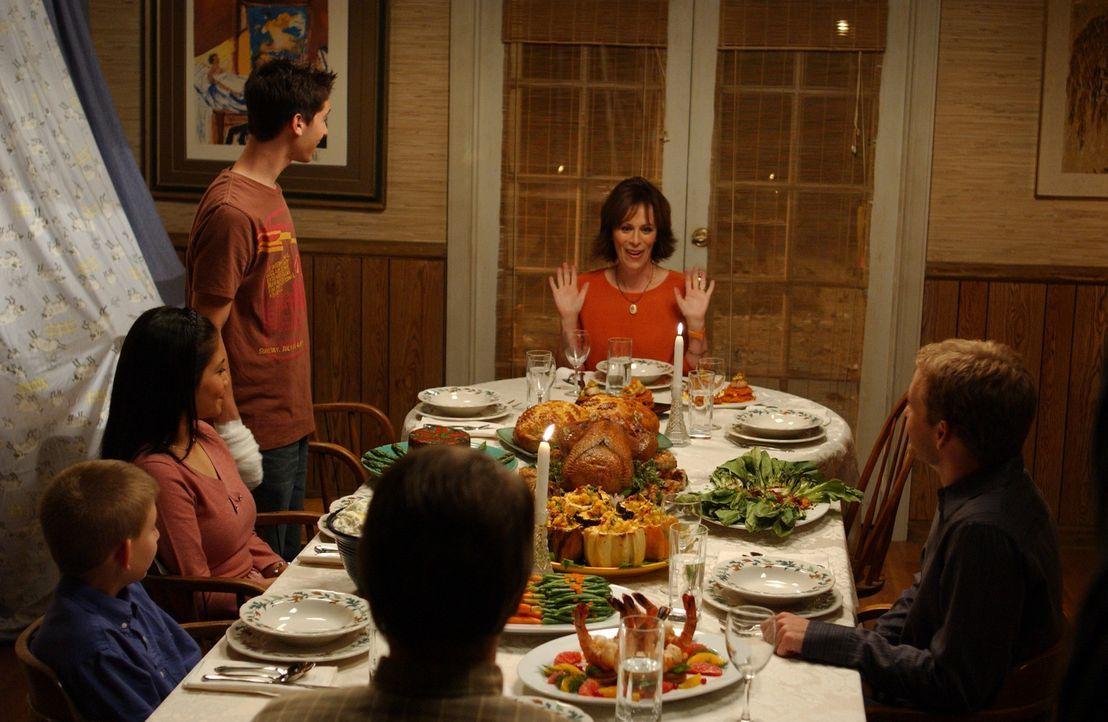 Thanksgiving steht vor der Tür und die ganze Familie versucht, in diesem Jahr ein harmonisches Fest zu feiern - im Gegensatz zu den letzen Jahren ... - Bildquelle: TM +   2000 Twentieth Century Fox Film Corporation. All Rights Reserved.