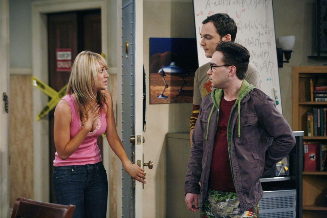 Die beiden hochbegabten Physiker Leonard (Johnny Galecki, l.) und Sheldon (Jim Parsons, M.) teilen sich eine Wohnung und die Liebe zur Quantenphysik... - Bildquelle: Warner Bros. Television