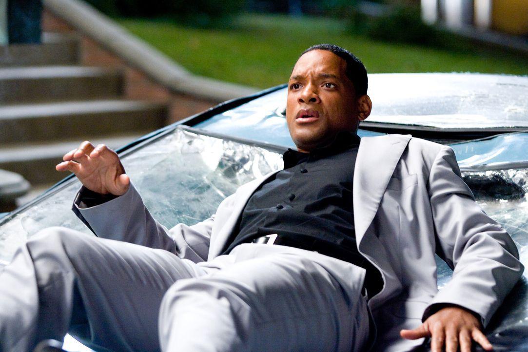 Wo der Superheld John Hancock (Will Smith) auftaucht, ist das Chaos vorprogrammiert ... - Bildquelle: Sony Pictures
