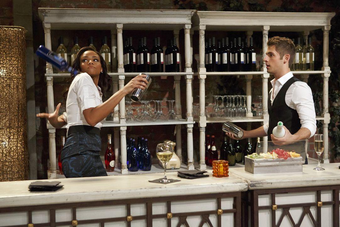 Tucker bandelt wieder mit seiner Ex-Freundin Vanessa (Meagan Tandy, l.) an - zu Bens (Jean-Luc Bilodeau, r.) Leidwesen, denn der kann Vanessa nicht... - Bildquelle: Bruce Birmelin ABC Family