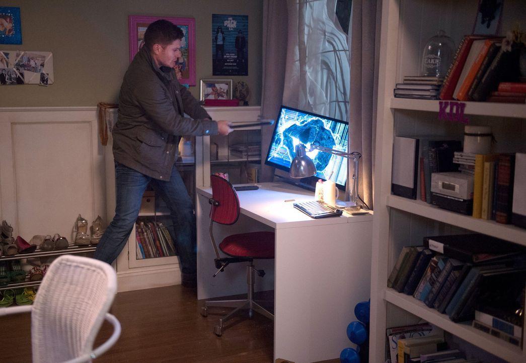 Erkennen Sam und Dean (Jensen Ackles) zu spät, wie sich der rachsüchtige Geist fortbewegt? - Bildquelle: 2016 Warner Brothers