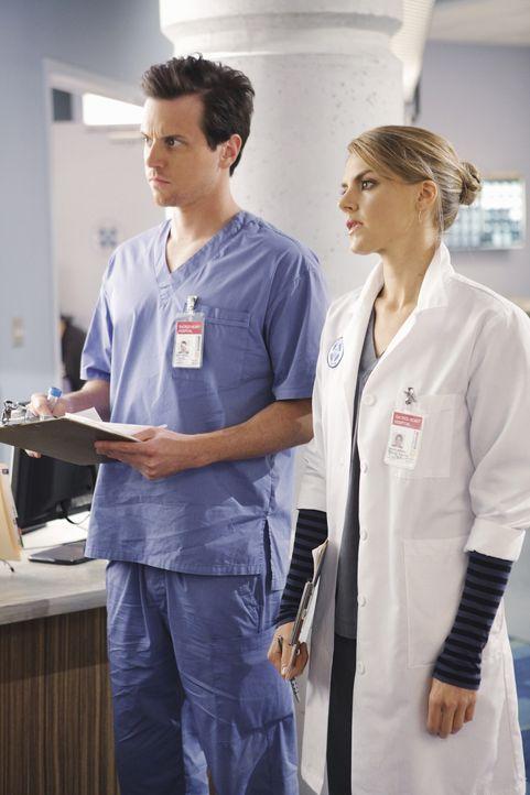 Stellen fest, dass sie keine Affäre haben, sondern eine richtige Beziehung führen: Drew (Michael Mosley, l.) und Denise (Eliza Coupe, r.) ... - Bildquelle: Touchstone Television